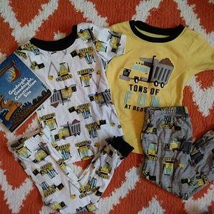 🎈4/$20🎈 Carter's 2T Pajamas